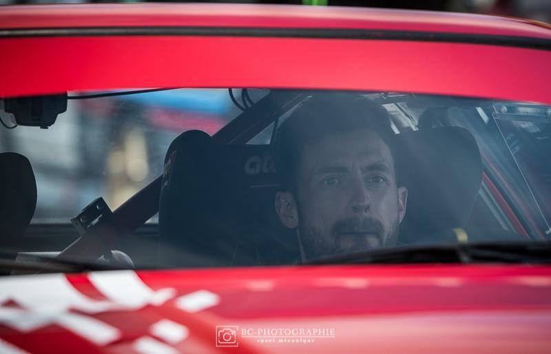 Raphaël Astier teste la Triumph TR7 V8